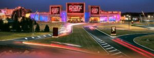 In Pennsylvania land-based horse betting and gambling market, Parx is the most successful which make its online expansion natural and expected. Its strong land-based presence, security and trustworthiness carry over into online platform. Parx Sports betting was first after legislation passed in the United States with Parx online casino reviews revealing unique casino games followed soon. Parx is known for its fairness and security and its impressive history in PA makes this an online platform that players in PA trusts.